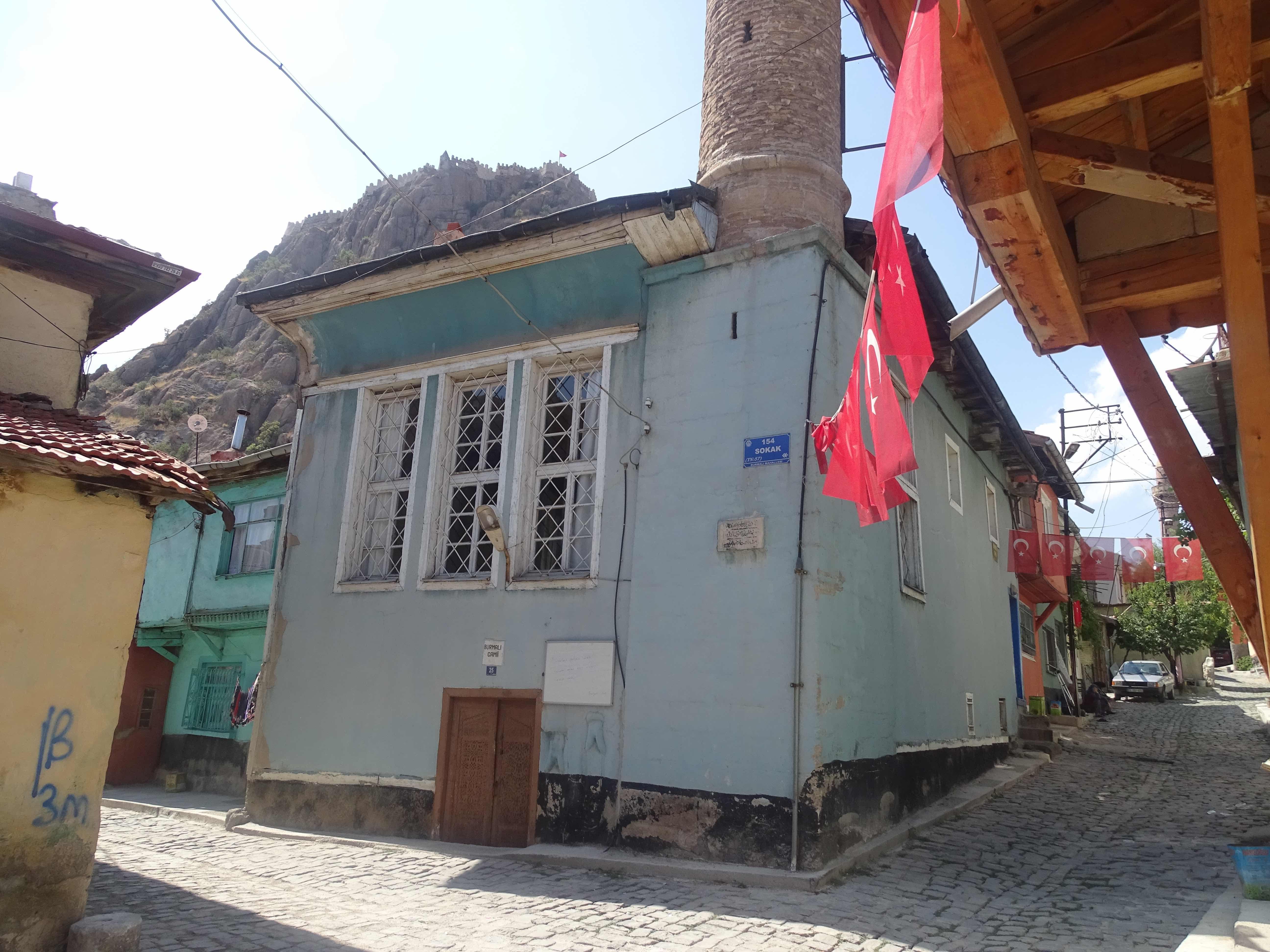 Burmalı camii